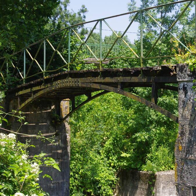 Brücke über einen Kanal im Marais Poitevin © Alison BOISSARD / CMT