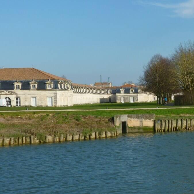 Am Ufer der Charente liegt die Königliche Seilerei ©FDHPA17