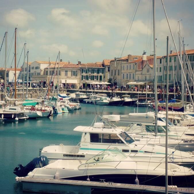 Das Hafenbecken in Saint-Martin-de-Ré © FDHPA 17