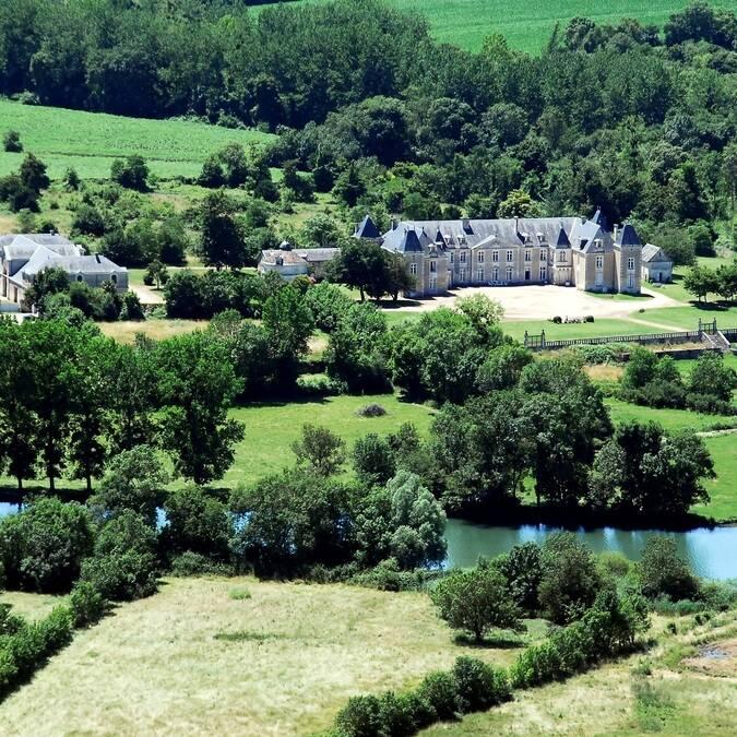 Luftbild des Château de Panloy - ©FDHPA17