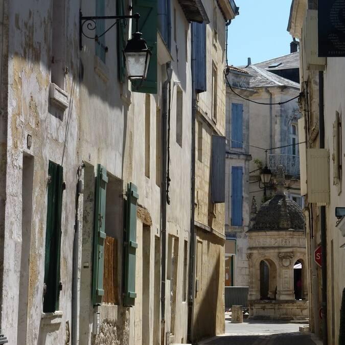 Typisches Gässchen in Saint Jean d'Angély - ©P.Migaud / FDHPA17